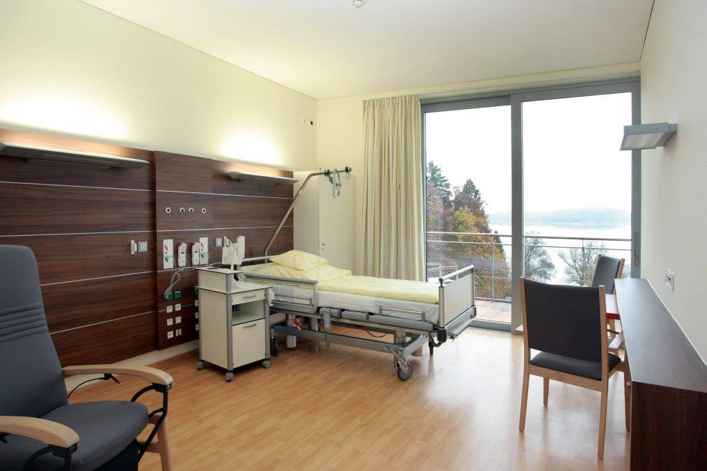 Patientenzimmer-Stock-4.jpg